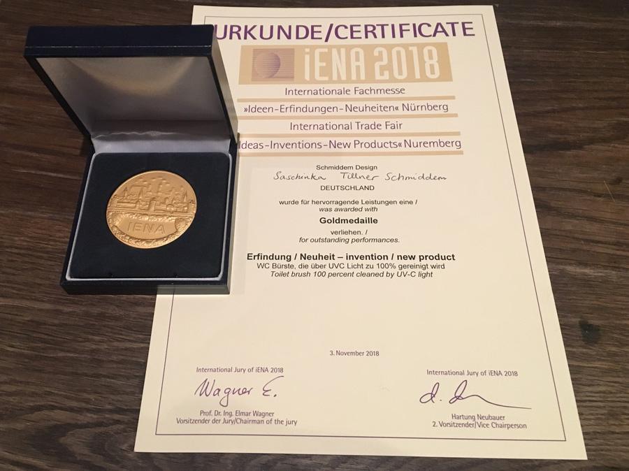 IENA Auszeichnung Keimfreie Toilettenbürste UV-C Licht Wunderblau